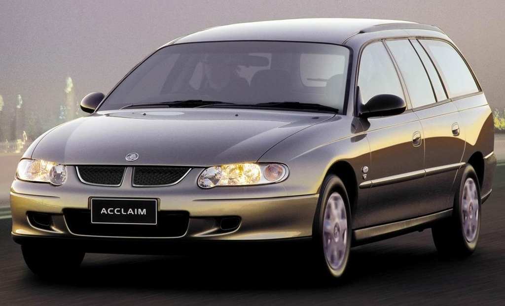 _holden_vx_commodore_acclaim_wagon_2000_02.jpg