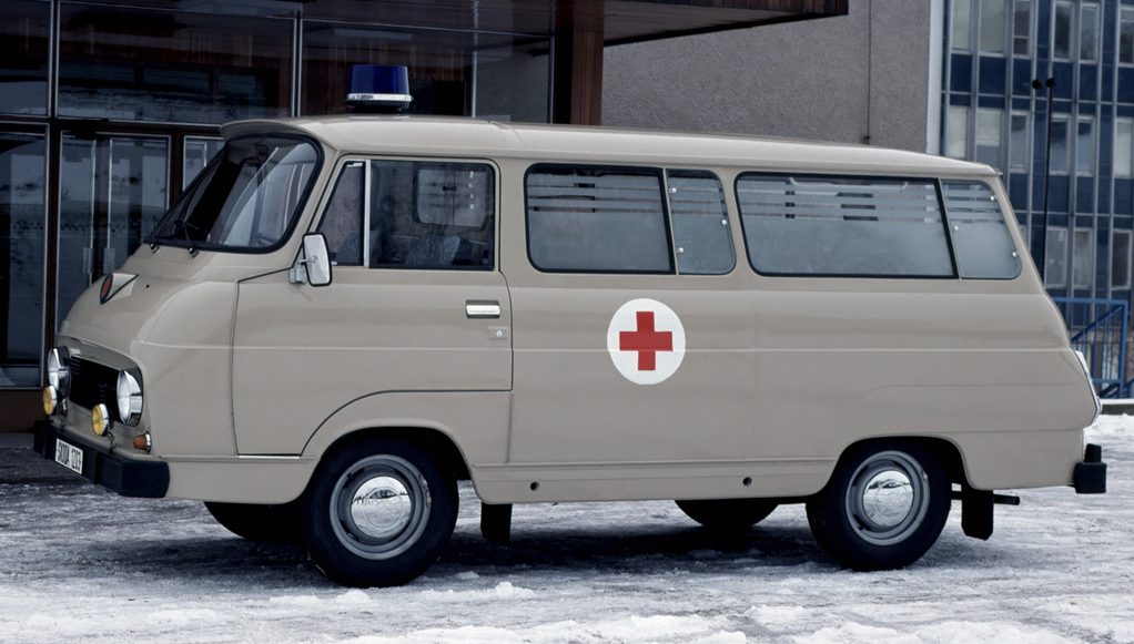 _koda_1203_ambulance_997_1968_81.jpg