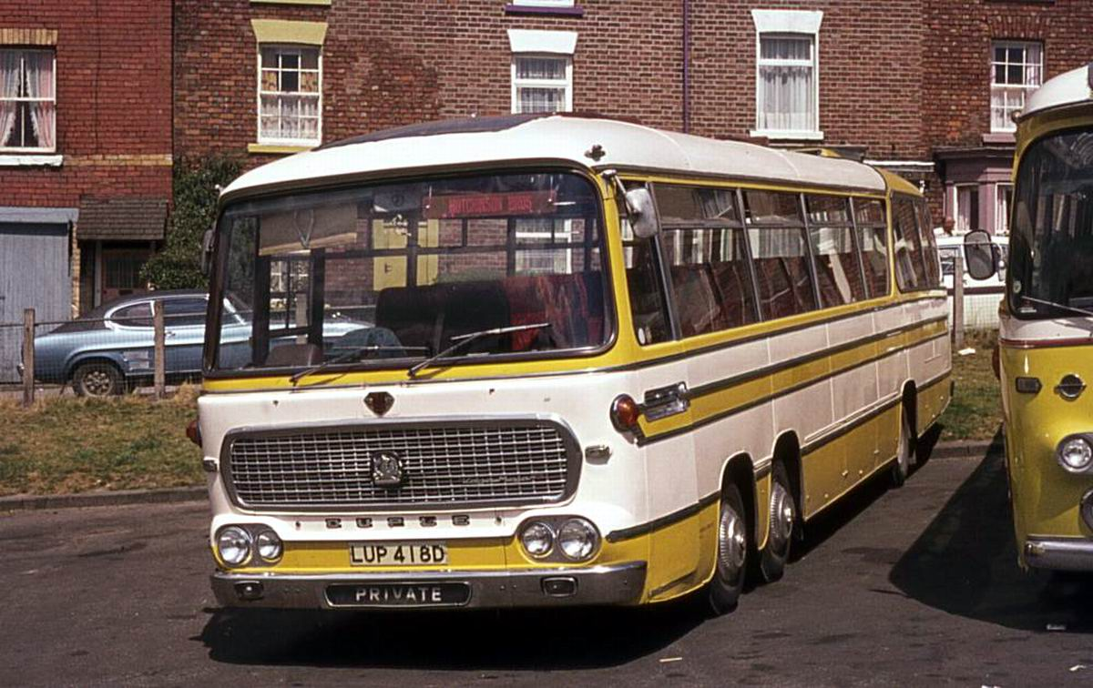 bussen_bedford_val14_built_in_1966_with_duple_vega_major_c52f_bodywork.jpg