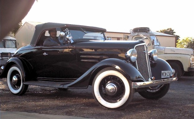chevrolet-roadster-holden-body-1935.jpg