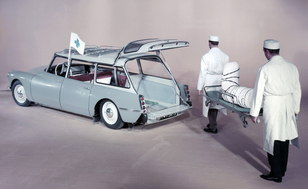 citro_n_id_19_ambulance_1960_68.jpg