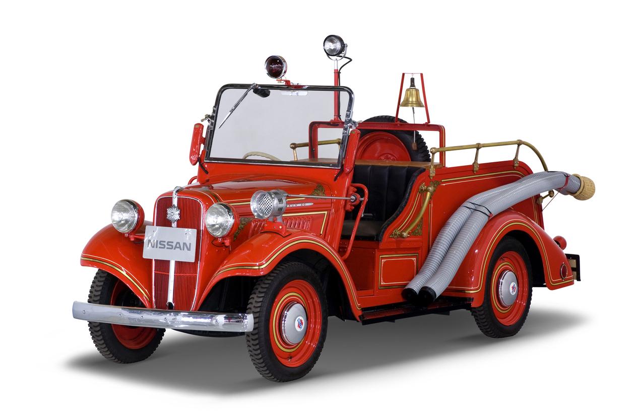 datsun_4157_firetruck_1949_50.jpg