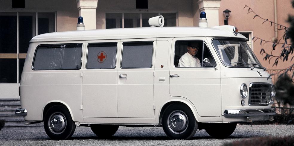 fiat_238_ambulance_1968_78.jpg