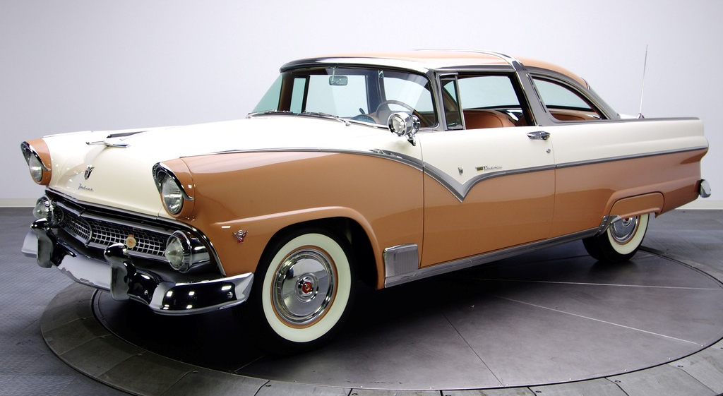 ford_fairlane_crown_victoria_coupe_64a_1955.jpg