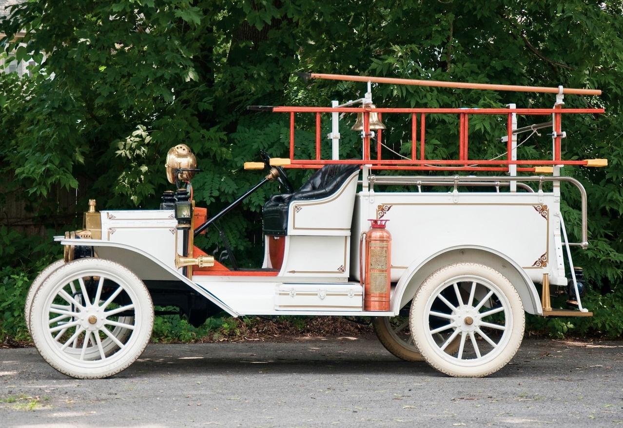 ford_model_t_firetruck_1913.jpg