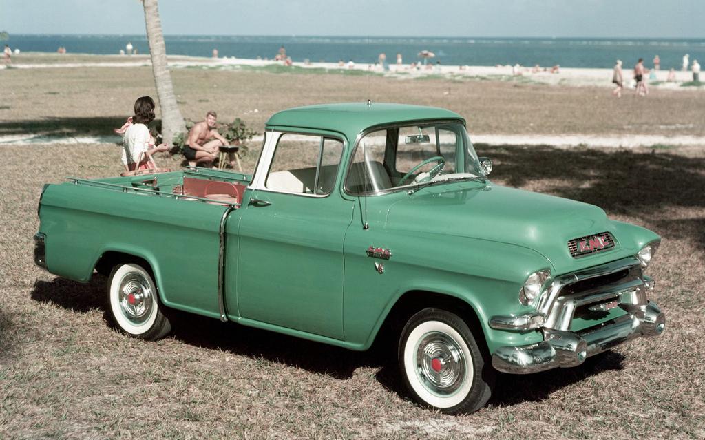 gmc_s-100_suburban_pickup_1955_56.jpg