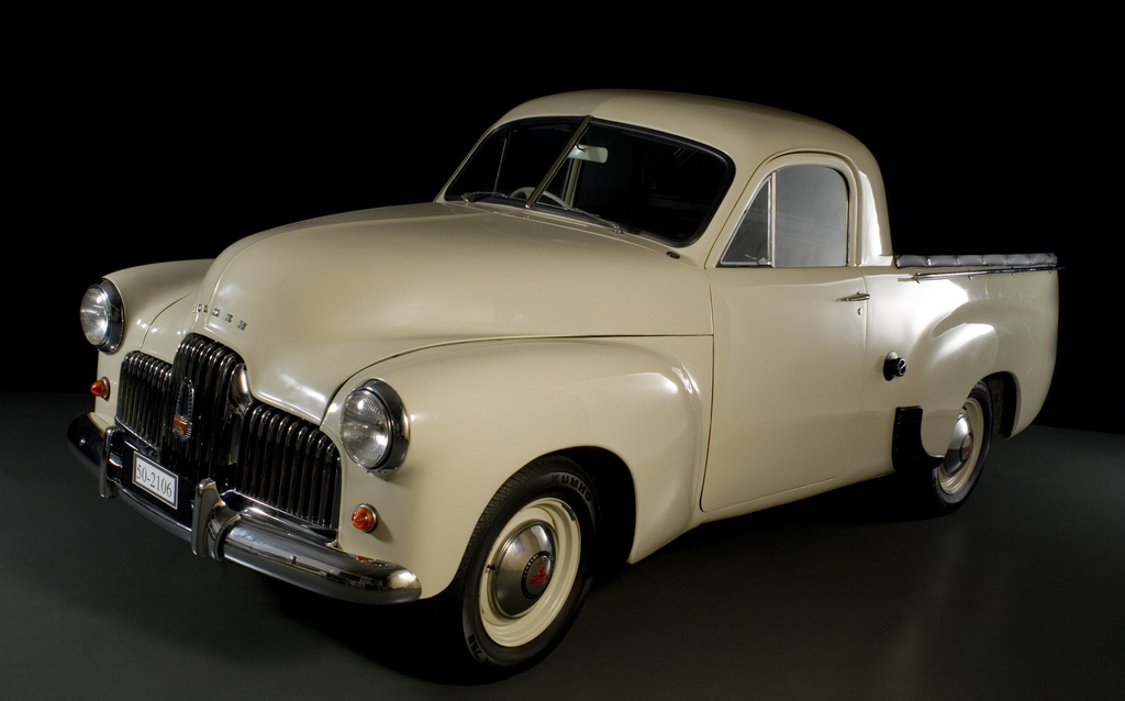 holden_50-2106_coupe_utility_1951_53.jpg