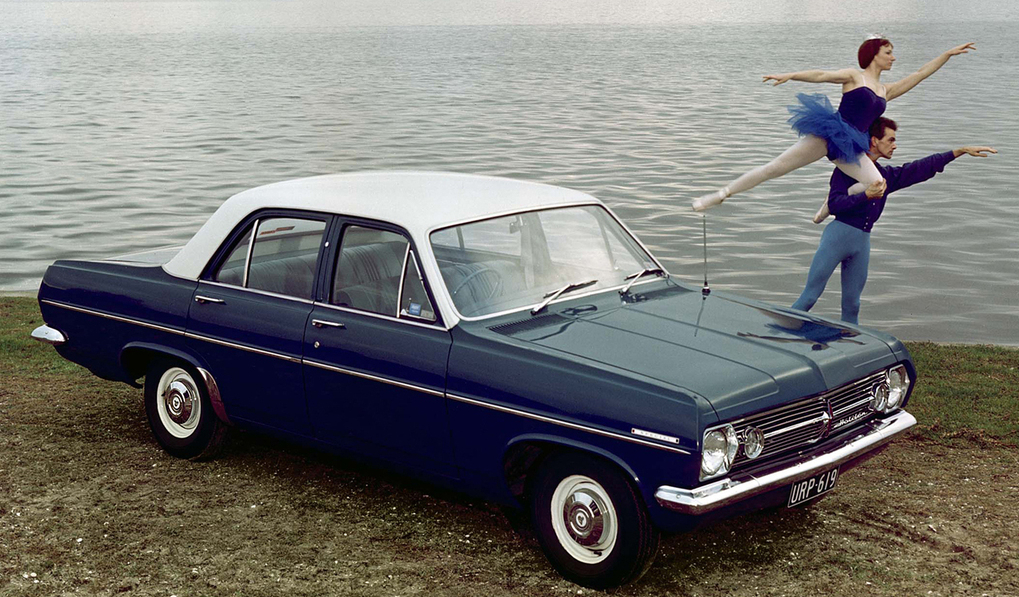 holden_hr_special_sedan_1966_68.jpg