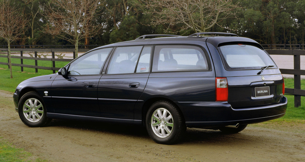 holden_vx_berlina_wagon_2000_02.jpg