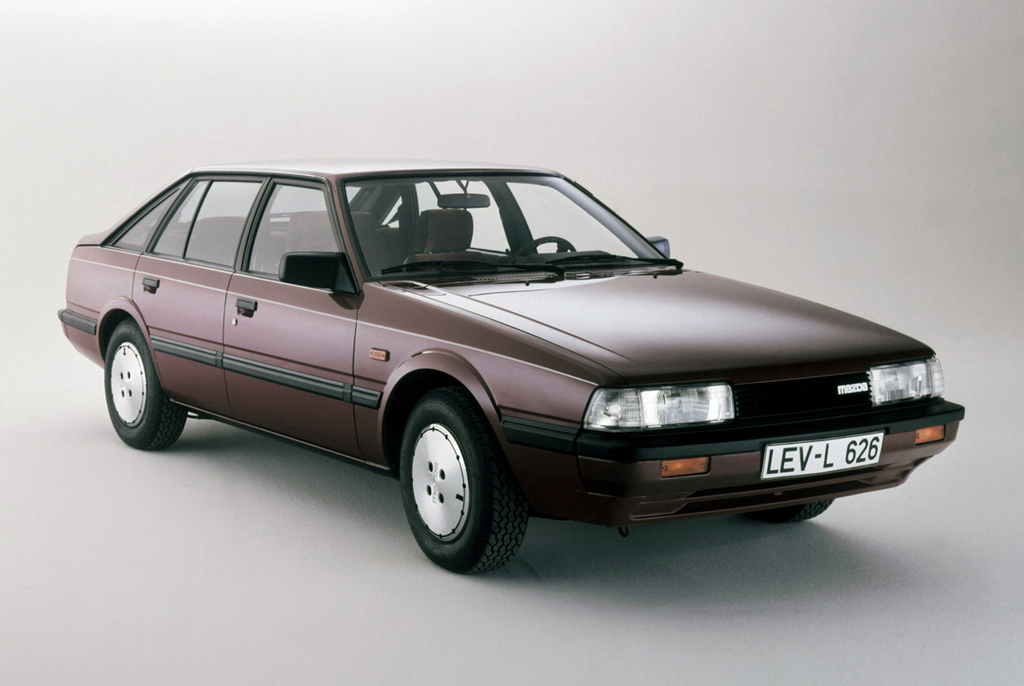 mazda_626_hatchback_gc_1983_87.jpg
