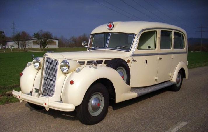packard_super_eight_ambulance_1938.jpg