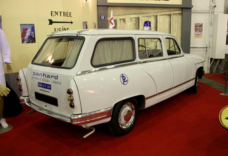 panhard_pl17_break_ambulance.jpg