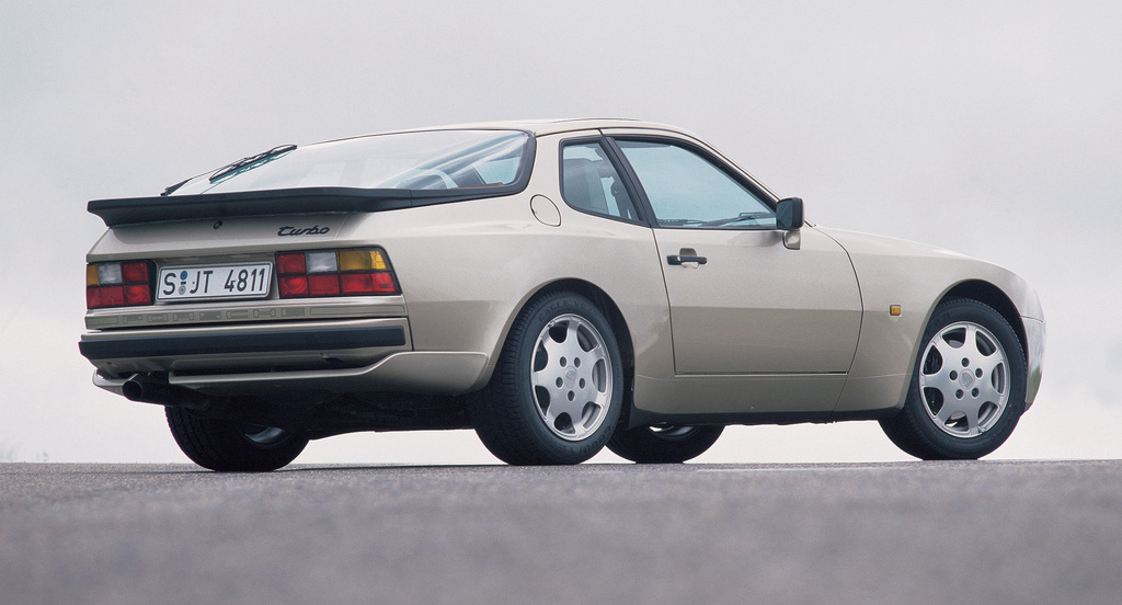 porsche_944_turbo_coupe_1985_91.jpg