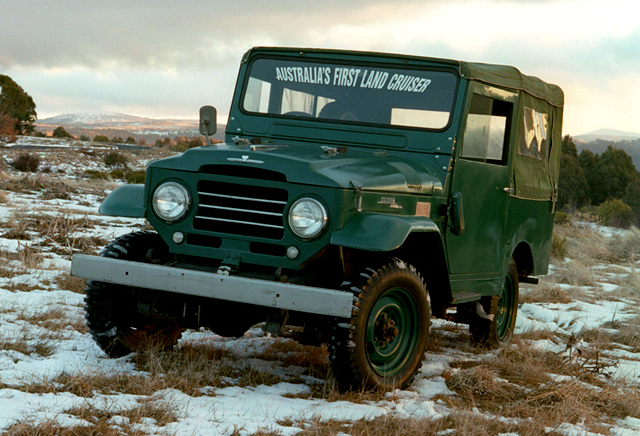 toyota_land_cruiser_canvas_top_bj25_1955_57.jpg