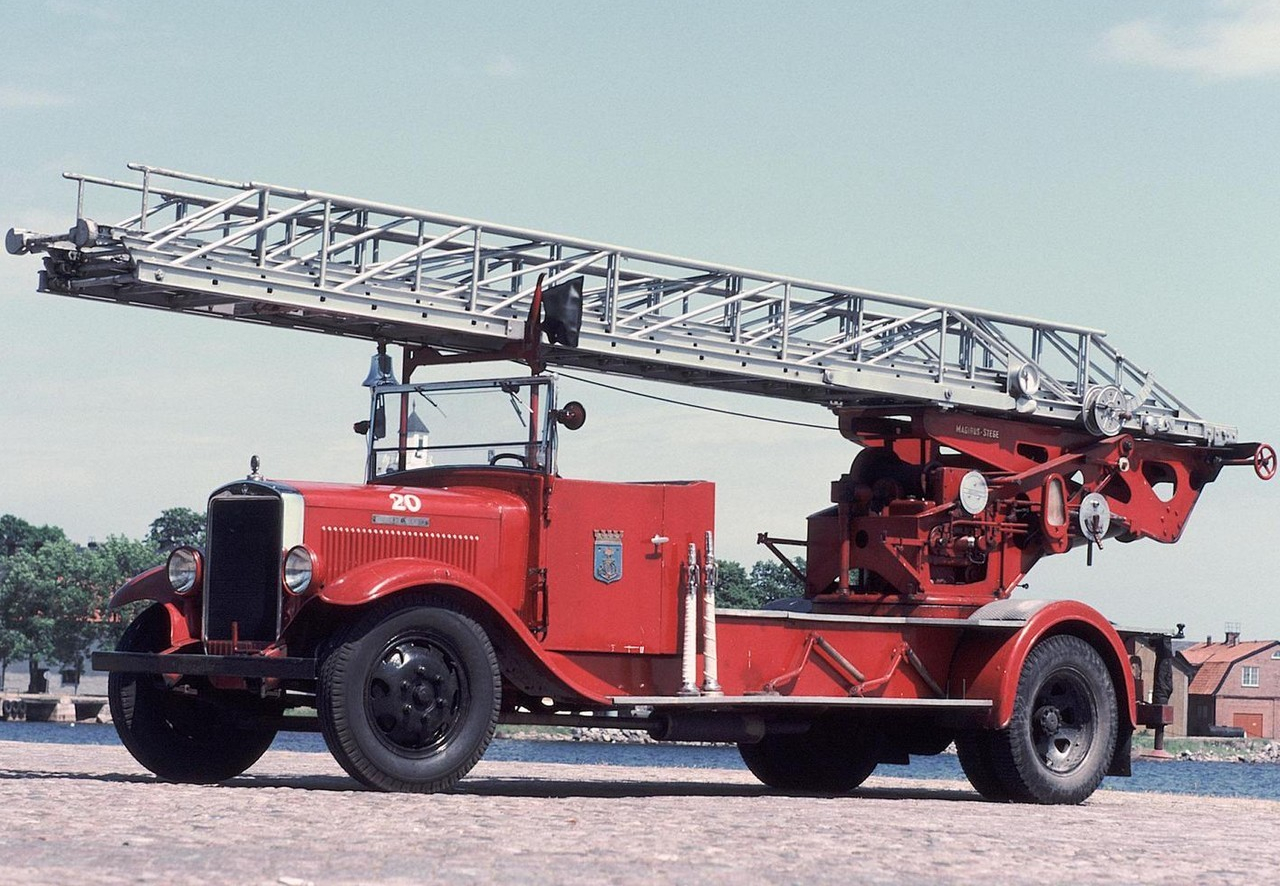volvo_lv68-70_firetruck_1931_36.jpg