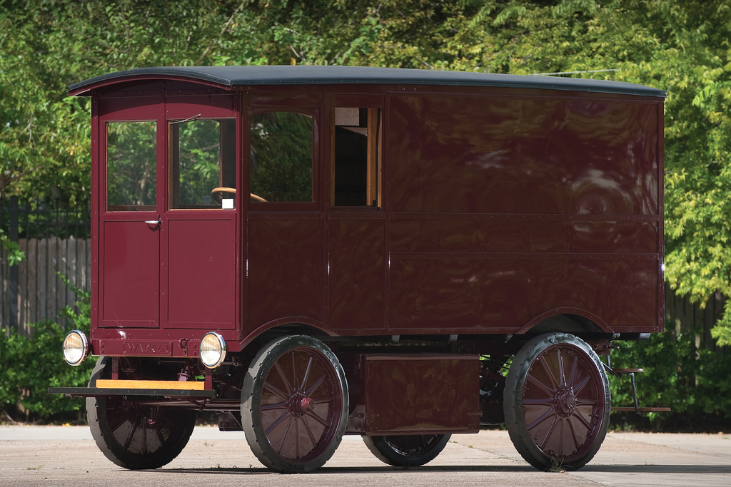 walker_electric_model_15_delivery_truck_1909.jpg