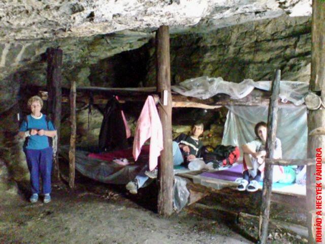 Az Odvas-kői barlangszállás 2008 tavaszán