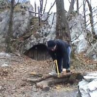 A Cserepes-kői barlangszállás télen