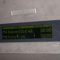 Kafka felült a 4-es metróra