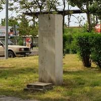 '89-ben tűnt el a szobor, a talapzatot most szállították el