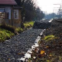Újbuda szégyenfoltja: elhanyagolt tó és szemét a fonódó mentén
