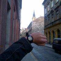 Késik az óra a terézvárosi templom tornyán