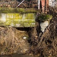 Járókelő Megoldókulcs: Egyre veszélyesebbé válik a Hoszúréti-patak környéke