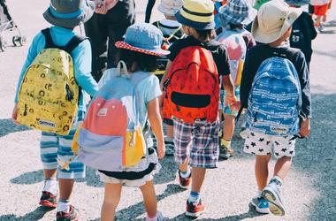 Németországban gyerekek terveztek újra egy utat, hogy biztonságos legyen