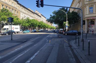 Miért ott vannak a körúti bringasávok, ahol vannak?