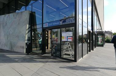 Megjavították a Széll Kálmán téri Kinyithatatlan Ajtót