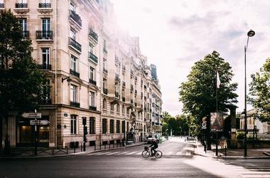 A kijárási korlátozások megszüntetése után Párizs vezetése csökkentené az autós forgalmat
