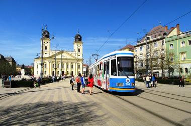 Debreceni önkénteseket keres a Járókelő!