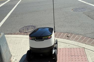 A robotok már a járdát is elveszik tőlünk