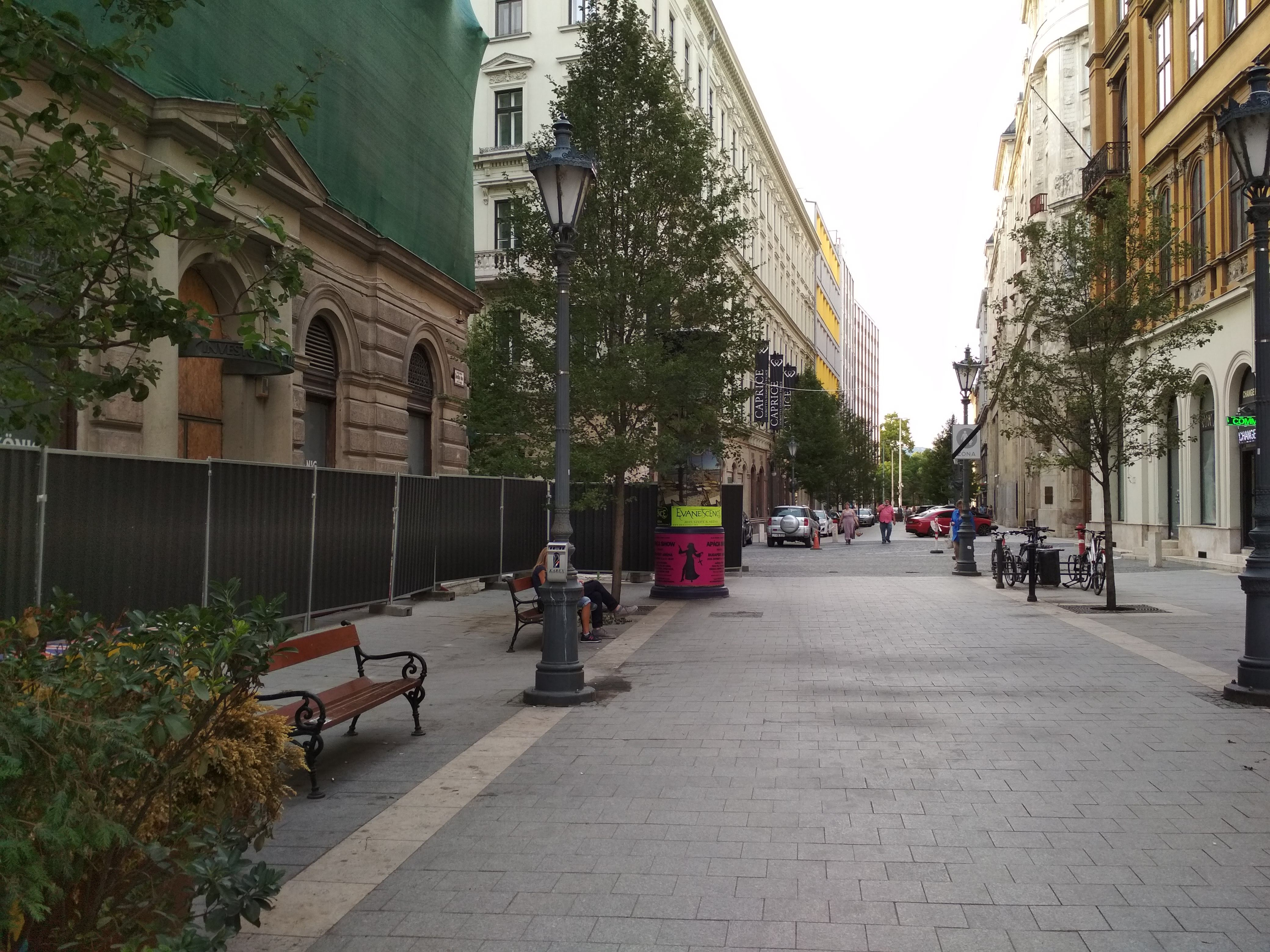 MOL Bubi gyűjtőállomás hűlt helye a Dorottya utcában