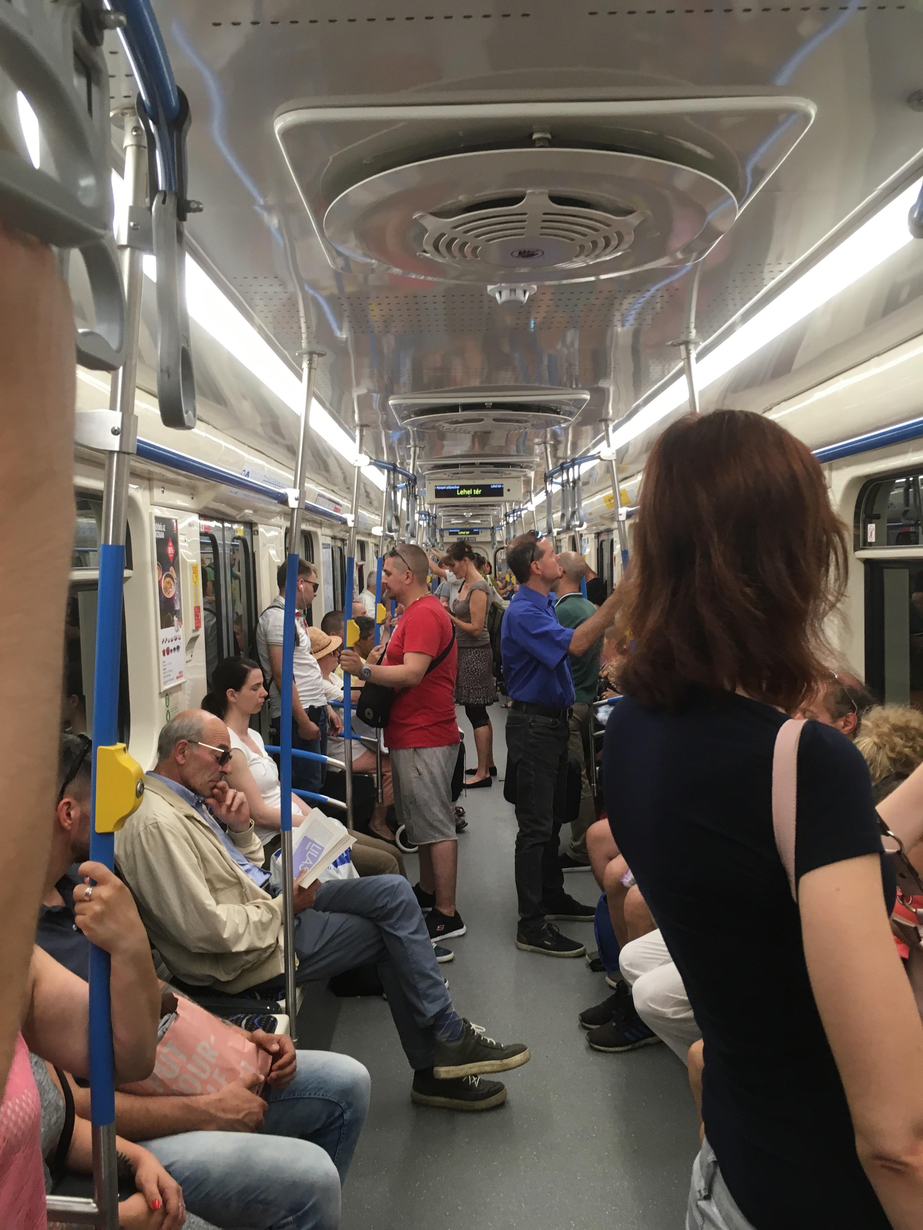 A hármas metrón is elérhető a szauna szolgáltatás.