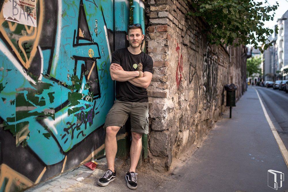 A Budapest Katalógus Facebook oldalán pedig Lukács Máté önkéntesünk története is szerepelt