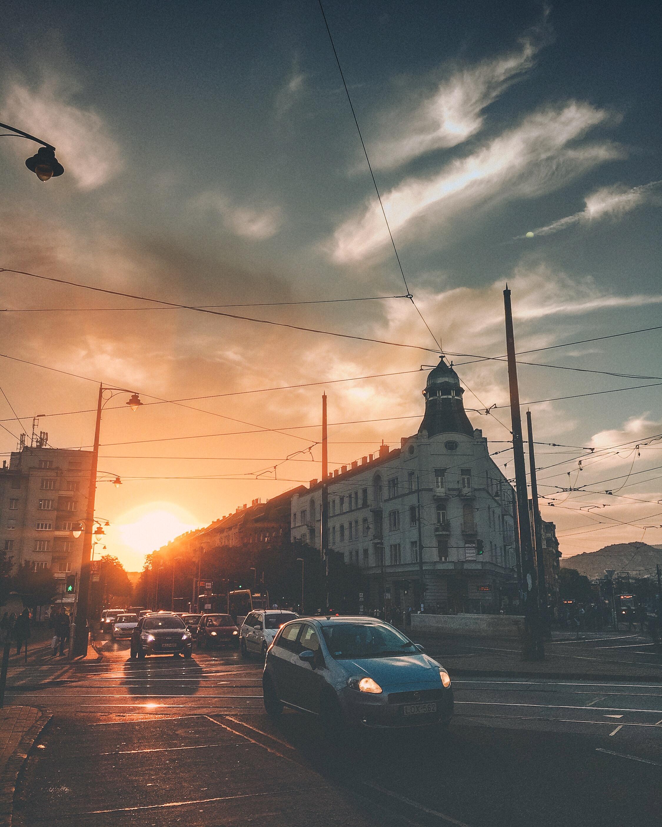 Móricz Gold: Nyár végén csodásak az arany órák, így szintén munka után, hazafelé menet a Móriczon lőttem ezt a kis hangulatos képet.