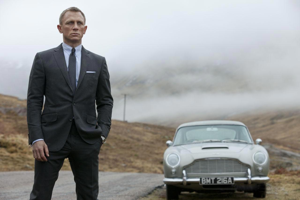Skyfall Bond és a táj.jpg
