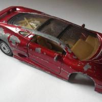 Jaguar XJ220 felújítása