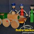 Fából készült régi játékok
