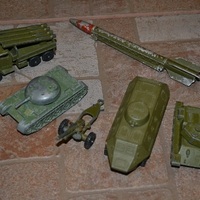 Katonai kisautók