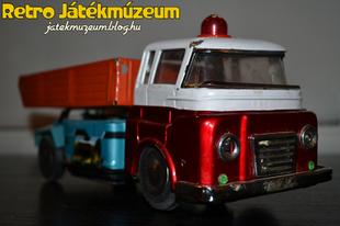 ME-679 Dump Truck