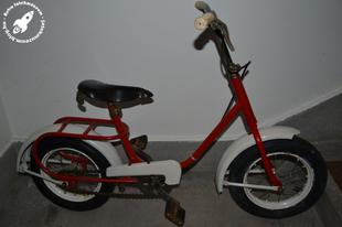 Régi gyerek kerékpár
