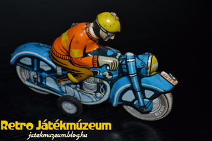 Lemezárugyár Lendület Motorkerékpár