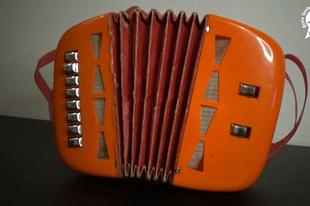 Játékmúzeum TV 207.adás - NDK játék harmonika