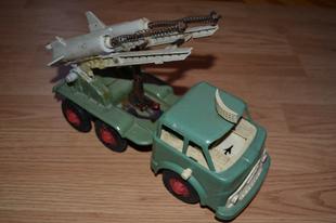 Szovjet lendkerekes rakétás autó