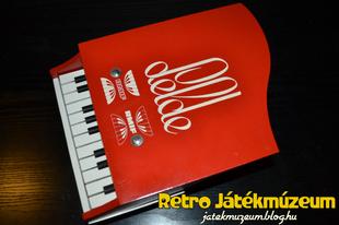 Aprócska játék zongora