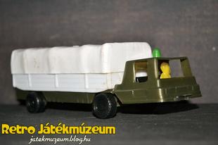 Műanyag katonai teherautó