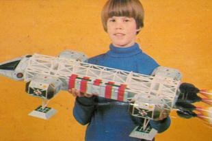 Alfa Holdbázis és a játékok