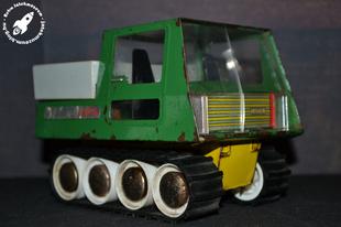 Lucil hernyótalpas jármű